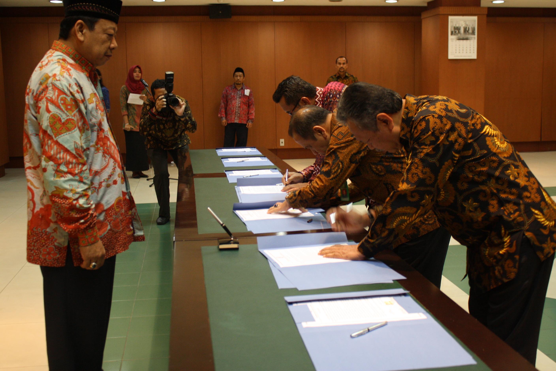 Penandatanganan Pakta Integritas di Lingkungan BUA MA RI Tahun 2016