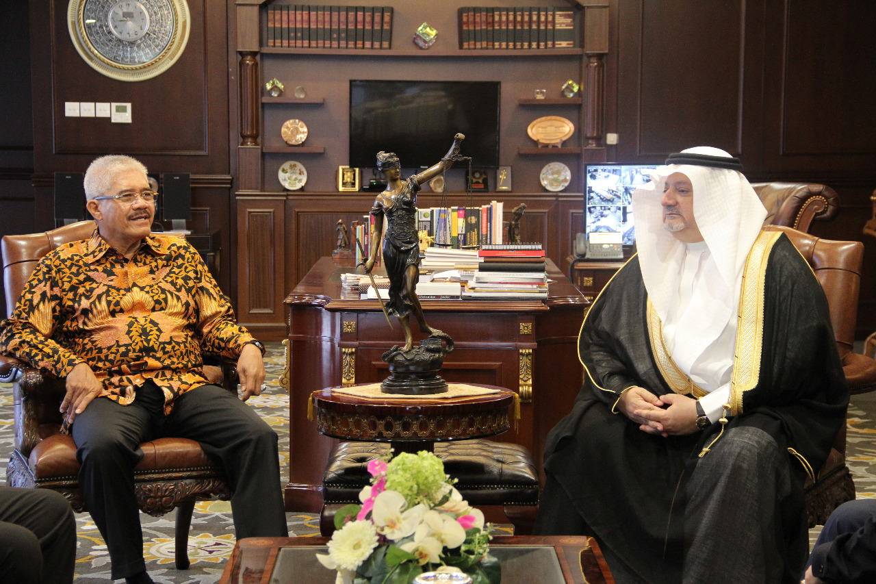 DUBES KERAJAAN ARAB SAUDI UNTUK INDONESIA BERKUNJUNG KE MAHKAMAH AGUNG