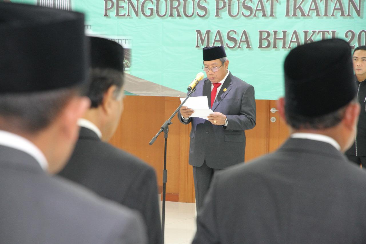 Dr. SUHADI MELANTIK PENGURUS PUSAT IKAHI PERIODE 2019-2022