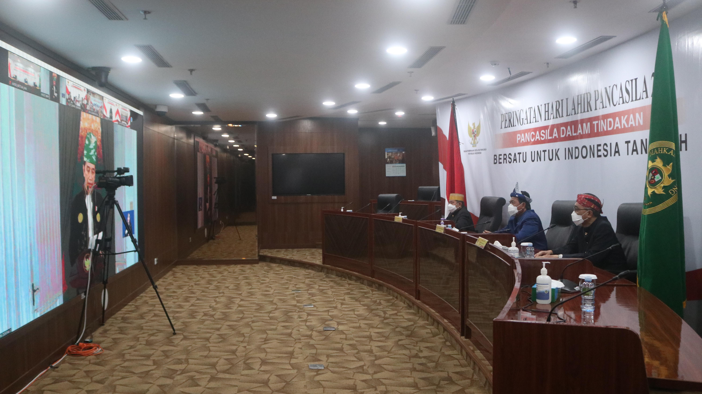 KETUA MAHKAMAH AGUNG HADIRI UPACARA HARI LAHIR PANCASILA SECARA VIRTUAL